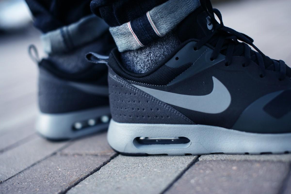 NikeAirMaxTavasBlack001