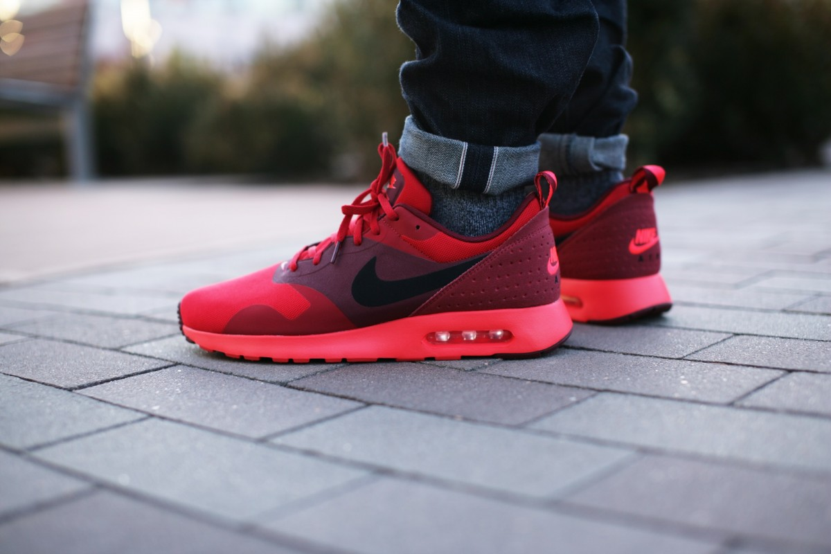 Nike Air Max Tavas University Red