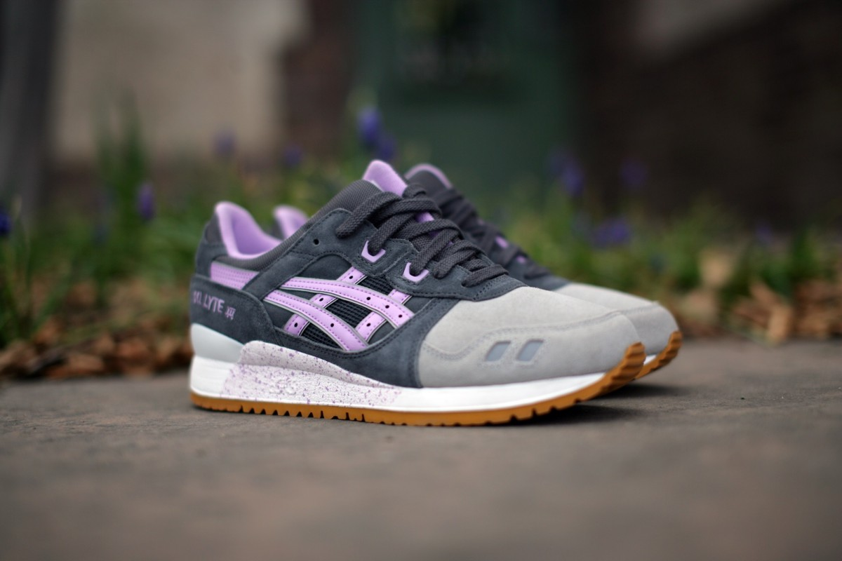 ASICS Tiger 'Full Bloom Pack' Gel Lyte III in Dark Grey/Sheer Lilac