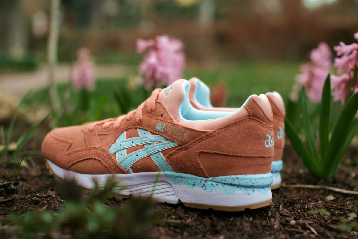 ASICS Tiger 'Full Bloom Pack' Gel Lyte V in Coral Reef/Clear Water