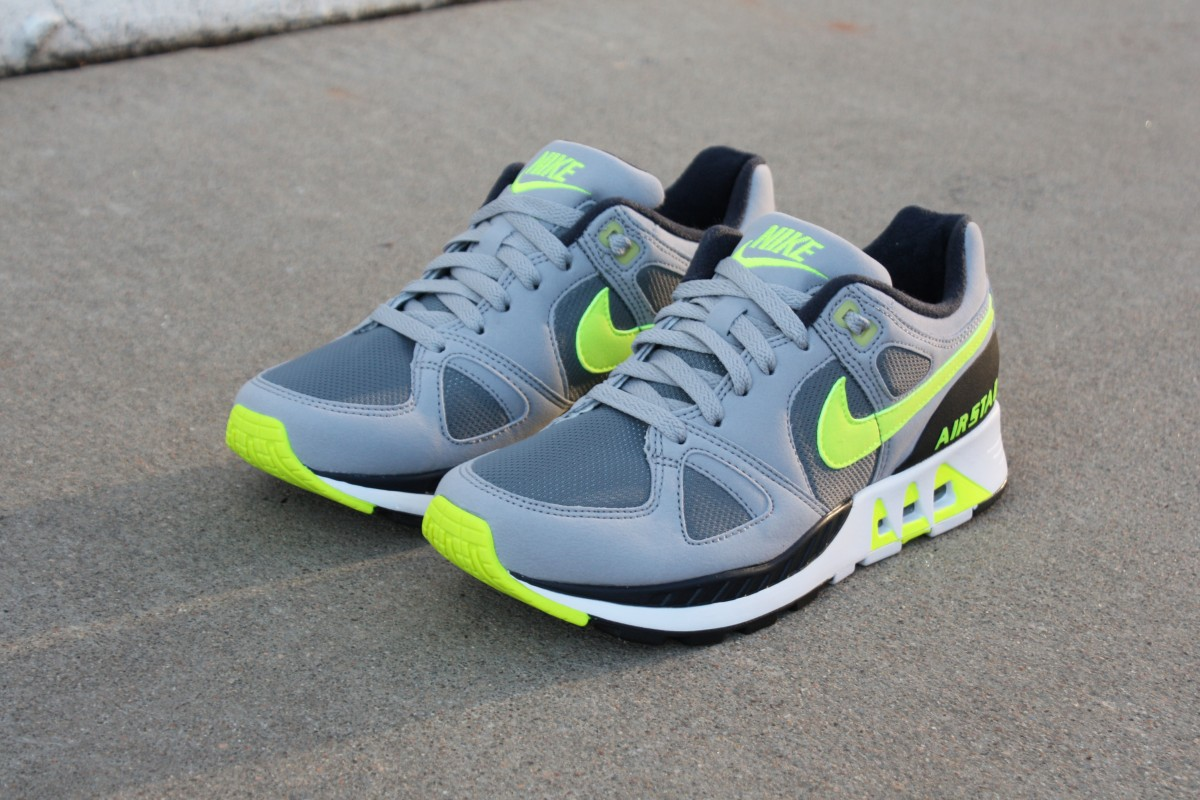 Nike Air Stab in Grey/Volt