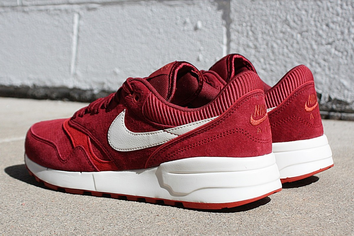 Nike Air Odyssey in Team Red