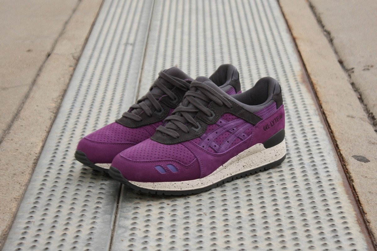 ASICS Gel-Lyte III in Purple