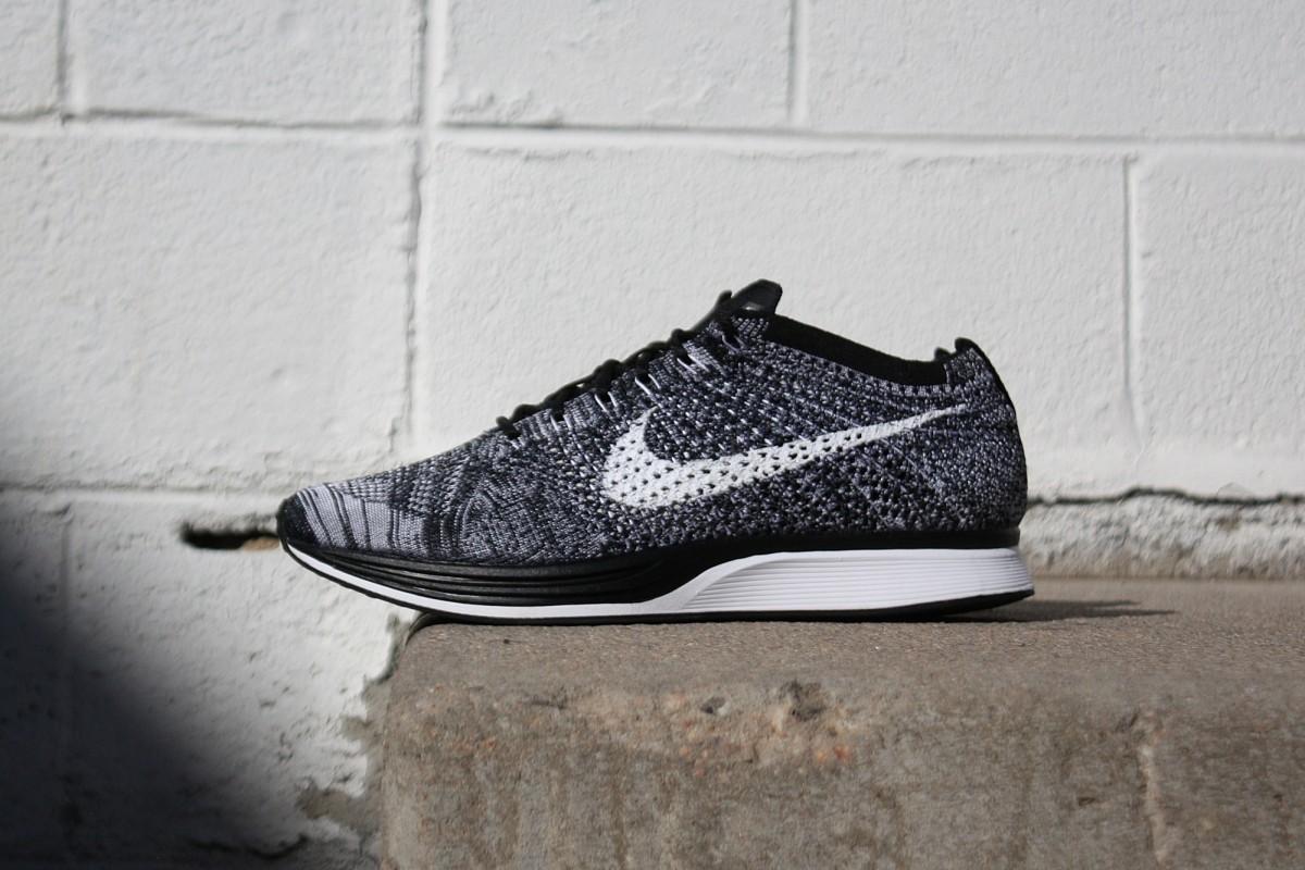 Nike Flyknit Racer in Black/White