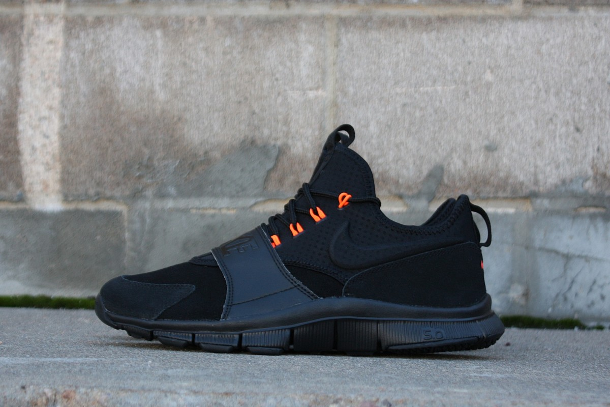 Nike Free Ace in Black