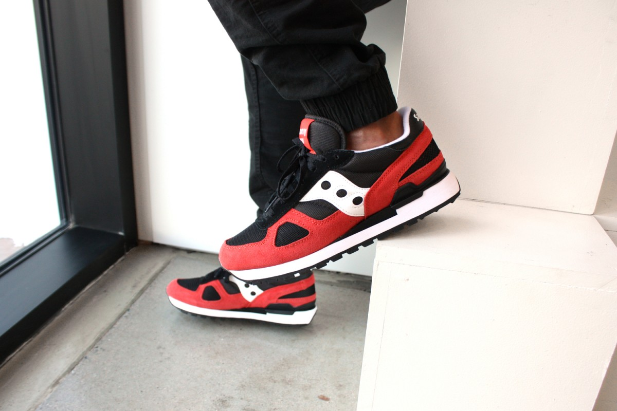 Saucony Shadow Original in Black/Red