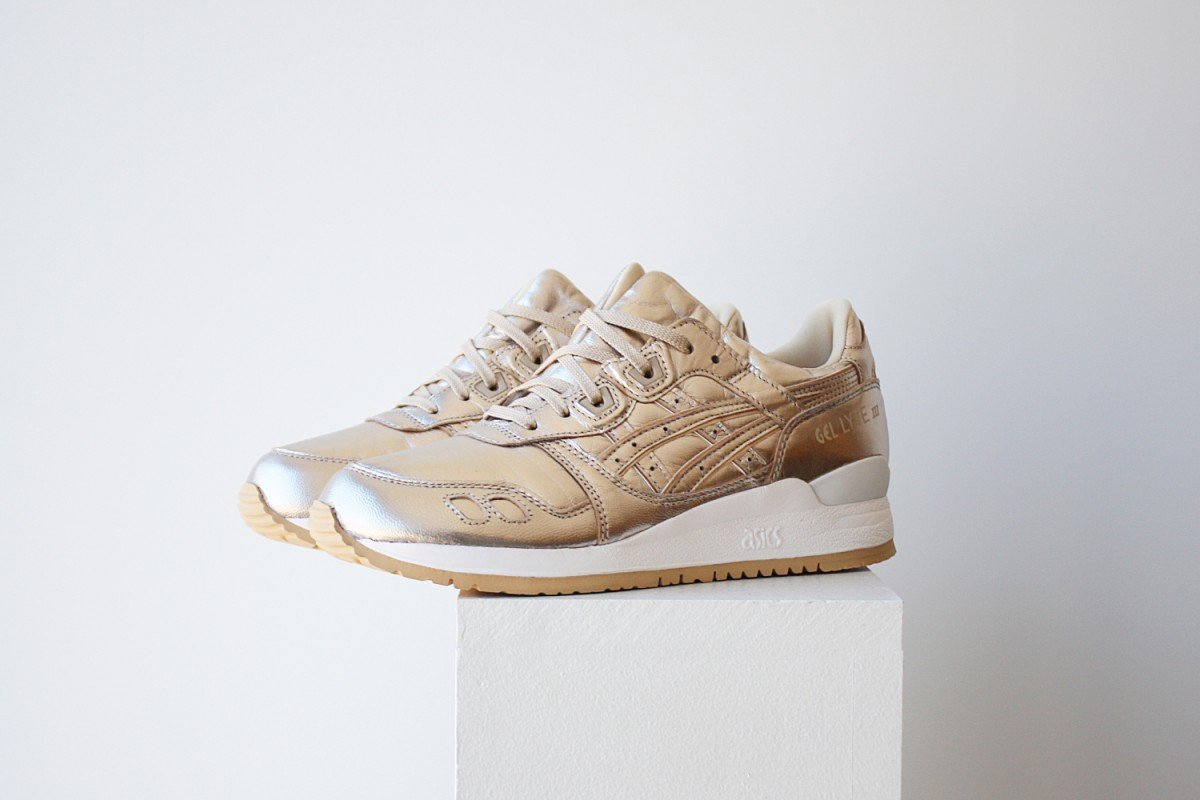 Womens ASICS Gel-Lyte III in Metallic Champagne Gold